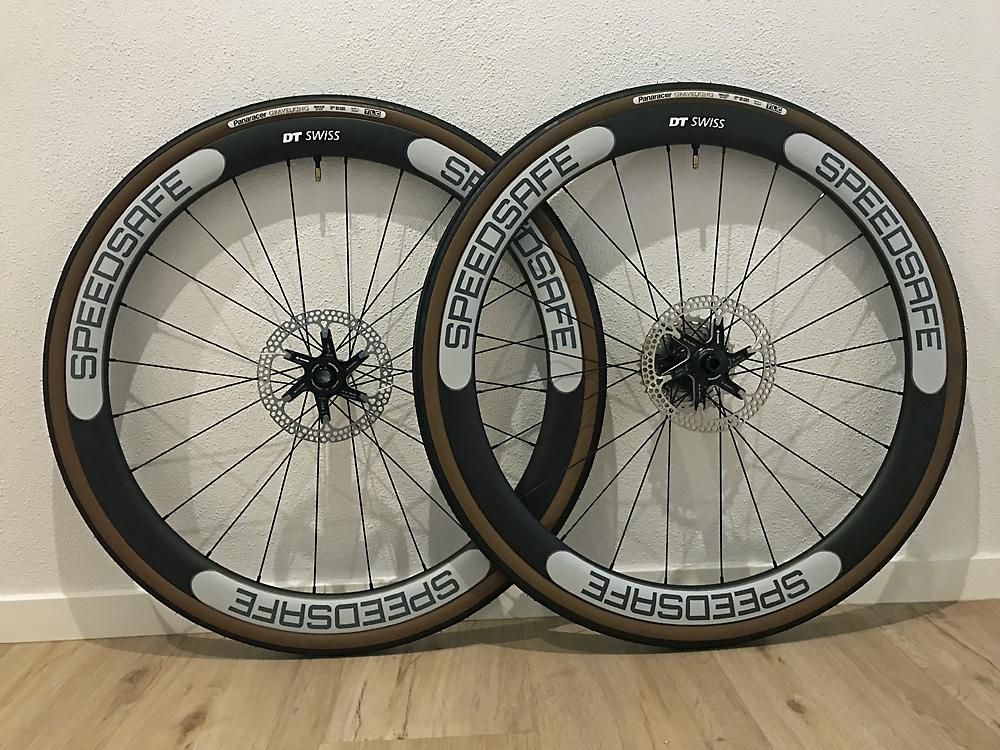 Tubless Laufradsatz komplett moniert mit Dekor